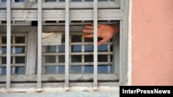В тюрьмах после скандальных видеокадров отношение к заключенным улучшилось