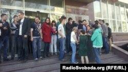 Страйкарі-співробітники каналу «ТВі», Київ, 26 квітня 2013 року
