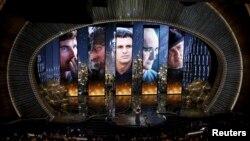 ABŞ-da Hollywood filmlərinin iştirak etdiyi müsabiqə. Hollywood film şirkətləri hər il ABŞ büdcəsinə milyardlarla dollar xeyir verir.