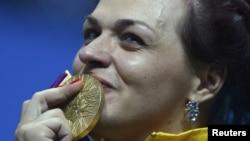 Лондон олимпиадасының чемпионы қазақстандық ауыр атлет Светлана Подобедова, 3 тамыз 2012 ж.