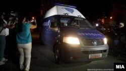 Со полициско возило специјалната обвинителка Катица Јанева однесена во притворо во затворот во Шутка.