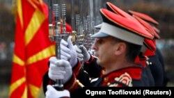 Membri ai gărzii de onoare a Macedoniei. Skopje, 5 februarie 5 2019