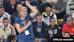 Индира Кастратовиќ, тренер на женскиот ракометен клуб Вардар од Скопје.