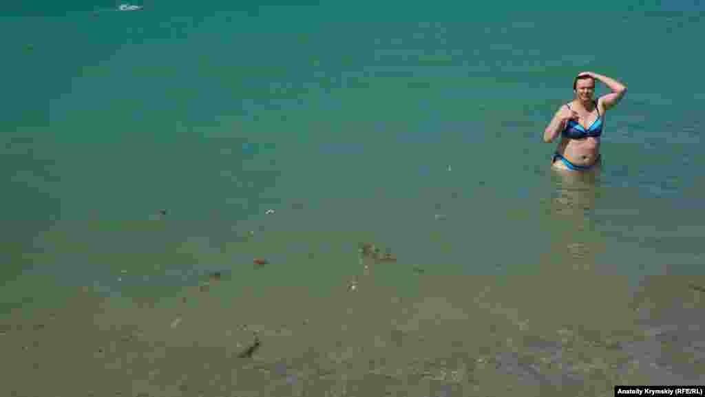 Море не успело очиститься после проливных дождей