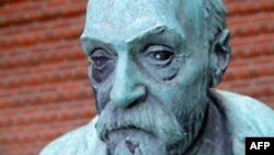 Портрет изобретателя динамита Альфреда Нобеля