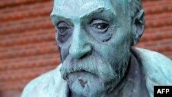 Статуя Альфреда Нобеля