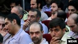 شماری از فعالان سیاسی اصلاح طلب در دادگاه پس از انتخابات رياست جمهوری سال ۱۳۸۸