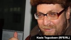 Құқыққорғаушы Андрей Свиридов. Алматы, 19 наурыз 2012 жыл.