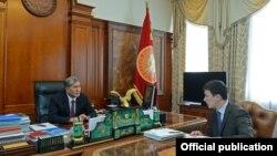 Президент Алмазбек Атамбаев Энергохолдингдин жетекчиси Айбек Калиевди кабыл алды