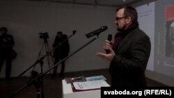 Валер Каліноўскі прэзэнтуе кнігу «Справа Бяляцкага»