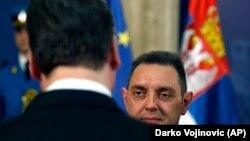 Odbrambenu politiku Srbije trenutno personifikuje ministar odbrane Aleksandar Vulin