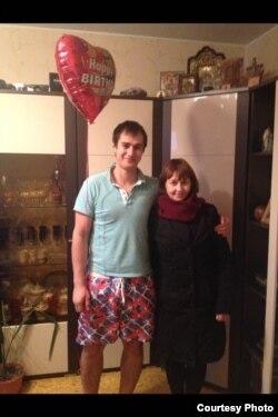 Альберт Литвинов и его мать Елена Петрова