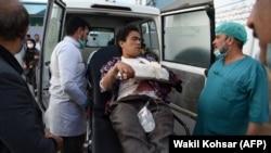 یک تن از محصلین که در حمله امروز بر پوهنتون کابل زخمی شده است