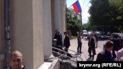 Прокурор Наталья Поклонская прибыла в суд. Она выступила обвинителем в деле Костенко