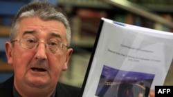Архиепископ Диармуид Мартин тергеу қортындысы шыққаннан соң нәпсіқұмар пірәдарлардың құрбаны болған балалардан кешірім сұрады. Дублин, 26 қараша 2009 жыл.