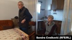 Dragiša i Zorica Petrović izgubili su 1. maja 1999. godine dvoje dece od 17 i 15 godina u svom domu u Gračanici, kod Prištine.
