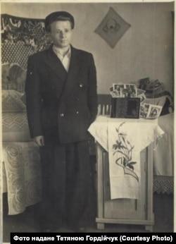 Микола Павлюк, знімок підписаний 1955 роком
