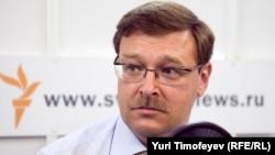 ՌԴ ԴԽ կոմիտեի նախագահ Կոնստանտին Կոսաչևը «Ազատության» մոսկովյան բյուրոյում, արխիվ