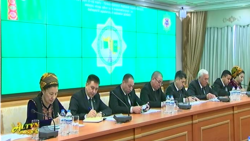 Türkmenistanda dikeldilýän Halk maslahatyna dalaşgärler hödürlenýär