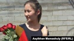 Мөлдір Адылованың 15 тәулік әкімшілік қамаудан босап шыққан беті. Алматы, 2 маусым 2016 жыл.