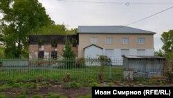 Так выглядит сейчас здание школы, построенной при колонистах