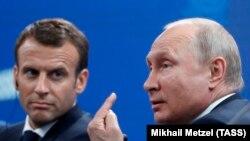 Два президента на экономическом форуме в Санкт-Петербурге