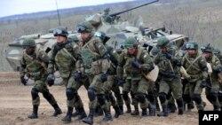 Російські військаберуть участь у навчаннях неподалік чеченського кордону, 19 березня 2015 року