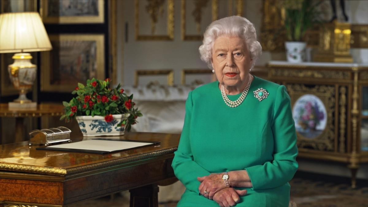 Елизавета II выступила с обращением к нации в связи с эпидемией