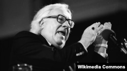 Ray Bradbury attends the Miami Book Fair International in November 1990.