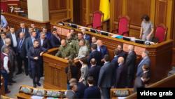 Силовики за трибуной Верховной Рады, 15 марта 2017 года