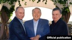 Мирзиёев Путин ва Назарбоев билан.