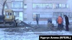 Спецтехника в районе прорыва водопровода. Петропавловск, 4 января 2018 года.