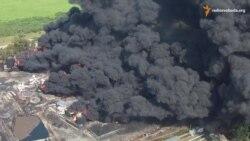 Зняте з безпілотника гасіння пожежі на нафтобазі на Київщині