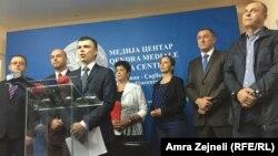 Sa konferencije za novinare Aleksandra Jablanovića i srpskih poslanika u Skupštini