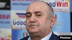 Armenia -- Samvel Babayan, a retired army general, at a news conference in Yerevan, April 19, 2019.