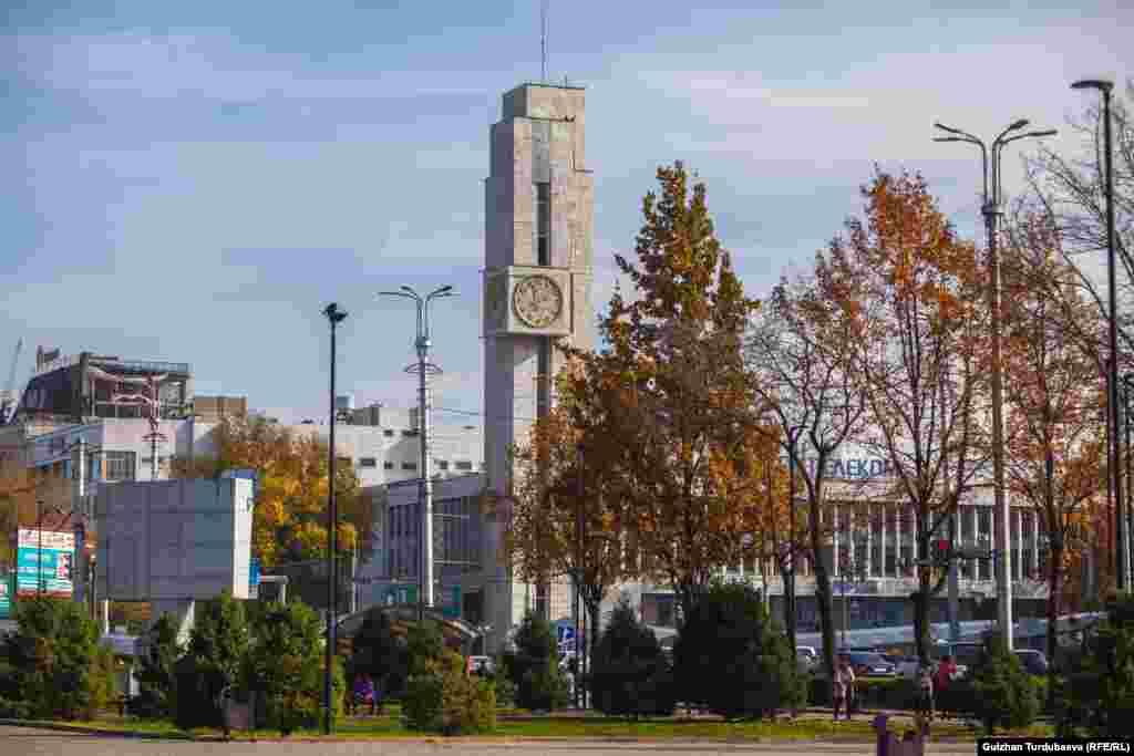 Абдрахманов жана Чүй көчөлөрүнүн кесилиши. Бишкек, 2018-жыл.