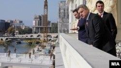 Архивска фотографија: Премиерот Никола Груевски, претседателот Ѓорге Иванов и министерот за надворешни работи Никола Попоски ја пуштија во употреба новата зграда на Министерството за надворешни работи.