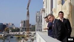 Премиерот Никола Груевски, претседателот Ѓорге Иванов и министерот за надворешни работи Никола Попоски ја пуштија во употреба новата зграда на Министерството за надворешни работи, 2012.