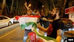 """Жители Тегерена празднуют подписание соглашения со странами """"шестерки"""""""