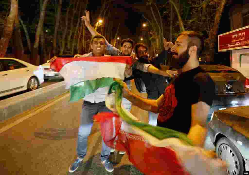 Tehran küçələrində Nüvə razılaşmasına sevinən iranlılar