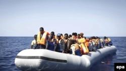 Нелегальные мигранты из Африки. Средиземное море, 6 сентября 2014 года.
