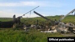 Обломки сбитого азербайджанского военного вертолета, 2 апреля 2016 г․