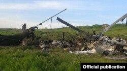 Լեռնային Ղարաբաղի Պաշտպանության բանակի կողմից խոցված Մի-24 ուղղաթիռի բեկորները, 2-ը ապրիլի, 2016թ․