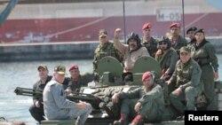 Николас Мадуро аскерий машыгууга катышууда. 27-январь, 2019-жыл.