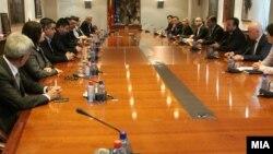 Средба на премиерот Емил Димитриев со членовите на ДИК. 10 март 2016.