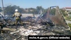 Пожар в гостевом доме в селе Береговое, Феодосия