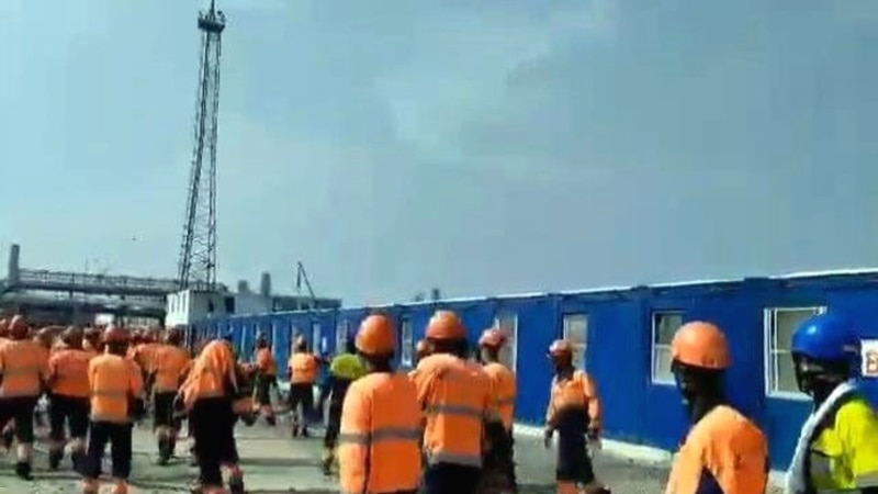 В Амурской области на газоперерабатывающем заводе «Газпрома» рабочие устроили погром из-за невыплаты зарплаты