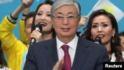 Президент Казахстана Касым-Жомарт Токаев на съезде партии «Нур Отан», где его выдвинули кандидатом в президенты. Нур-Султан, 23 апреля 2019 года.