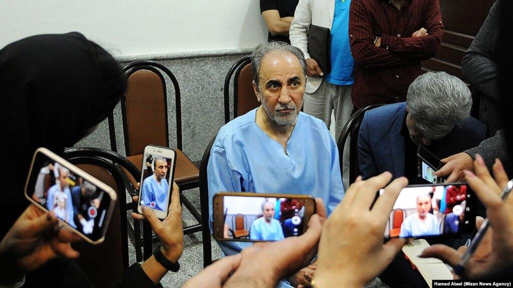 محمدعلی نجفی در دادسرای جنایی تهران در گفتوگو با خبرنگاران