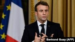 Франция президенти Эммануэль Макрон.